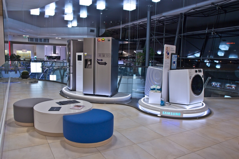 Futuristic P.O.P. Samsung presentation