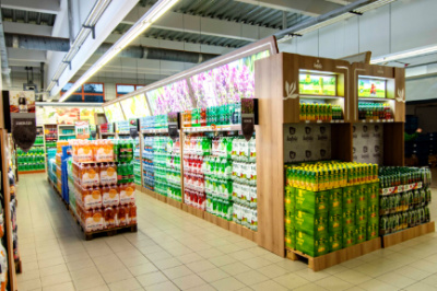 Budvar worked together with Kofola and rearranged the section of beverages in a Terno store