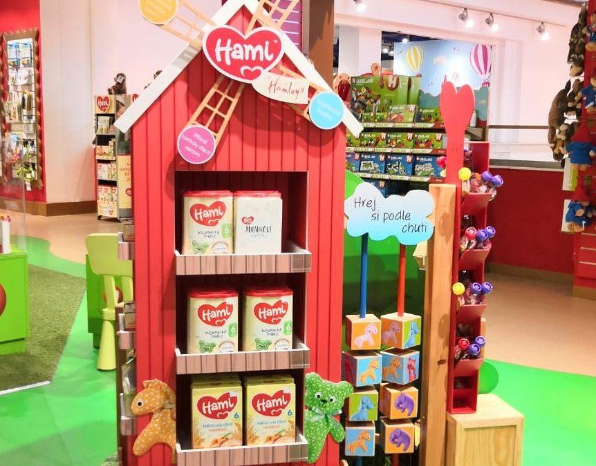Dětskou výživu Hami prodávají v Hamleys u větrného mlýna