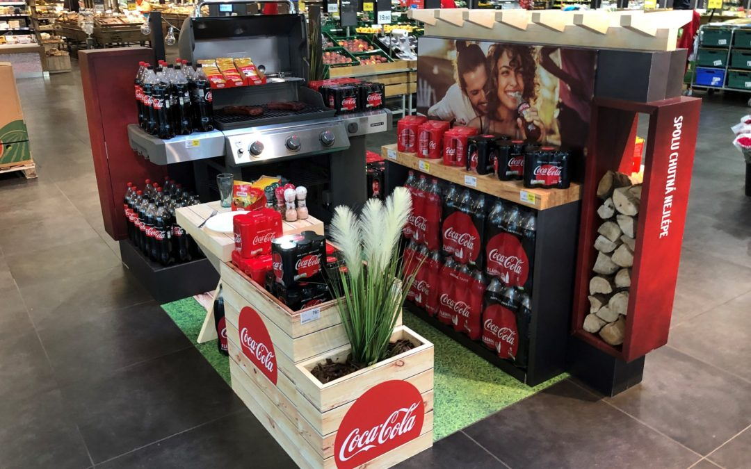 Best refreshment during barbecuing? Coca-Cola lures with roasted chops